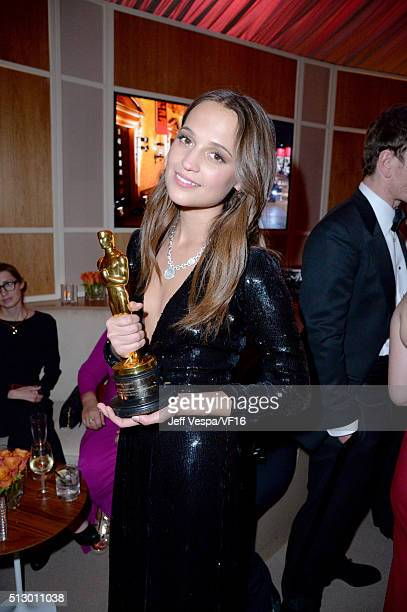 Actress Alicia Vikander attends the 2016 Vanity Fair Oscar Party Hosted By Graydon Carter at the Wallis Annenberg Center for the Performing Arts on...
