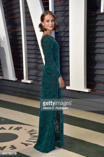 Actress Alicia Vikander attends the 2017 Vanity Fair Oscar Party hosted by Graydon Carter at Wallis Annenberg Center for the Performing Arts on...