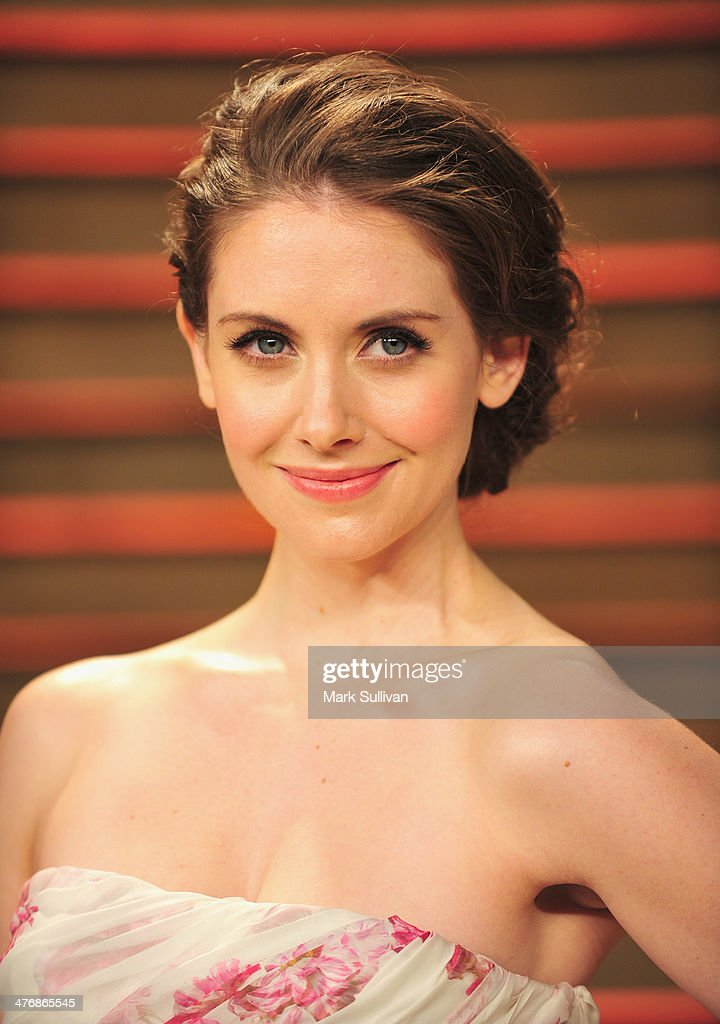 Actress Alison Brie arrives for the 2014 Vanity Fair Oscar Party hosted by Graydon Carter on March 2, 2014 in West Hollywood, California.