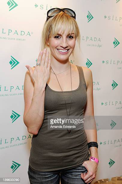 Actress Alison Haislip poses with Silpada at Kari Feinstein's Oscars Style Lounge at Mondrian Los Angeles on February 23 2012 in West Hollywood...