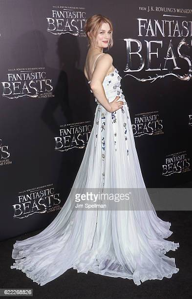 Actress Alison Sudol attends the 'Fantastic Beasts And Where To Find Them' world premiere at Alice Tully Hall Lincoln Center on November 10 2016 in...