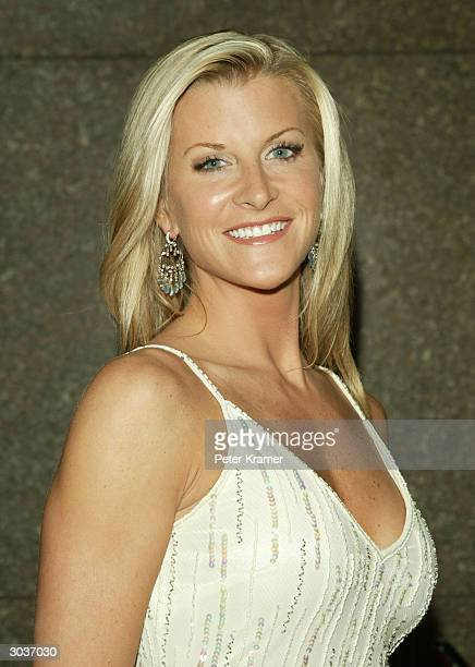 Actress Allison Dunbar attends the fifth season premiere of the HBO series 'The Sopranos' at Radio City Music Hall March 2 2004 in New York City