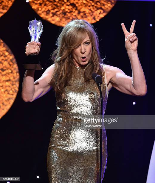 Actress Allison Janney accepts the Best Supporting Actress in a Comedy Series award for 'Mom' onstage during the 4th Annual Critics' Choice...