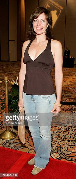 Actress Allison Janney arrives at the International Pool Tour World 8Ball Championship at the Mandalay Bay Resort Casino August 20 2005 in Las Vegas...