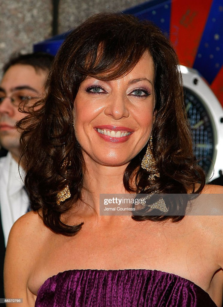 Actress Allison Janney attends the 63rd Annual Tony Awards at Radio City Music Hall on June 7, 2009 in New York City.