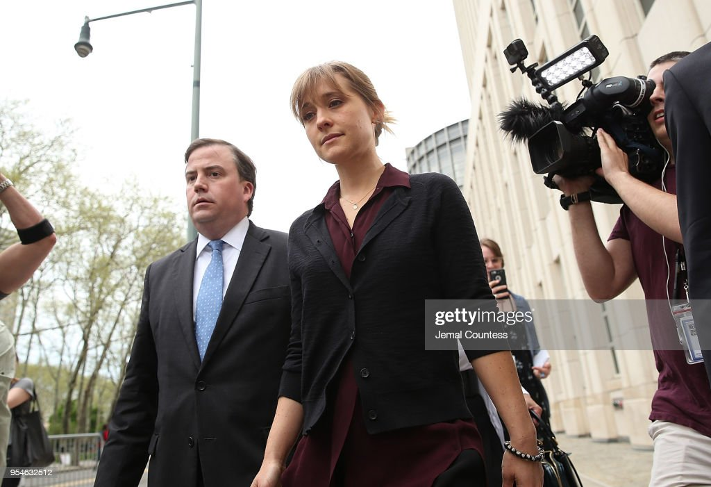 Actress Allison Mack Attends Court Over Sex Trafficking Charges : ニュース写真