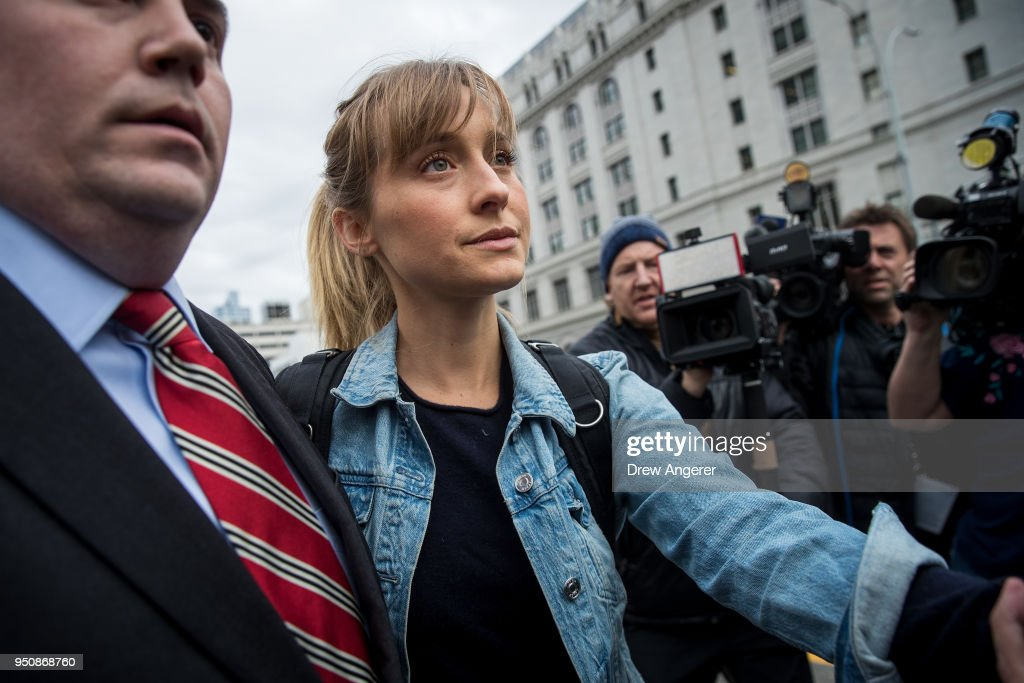 Actress Allison Mack Appears In Court Over Case Involving Alleged Sex Cult : Nyhetsfoto