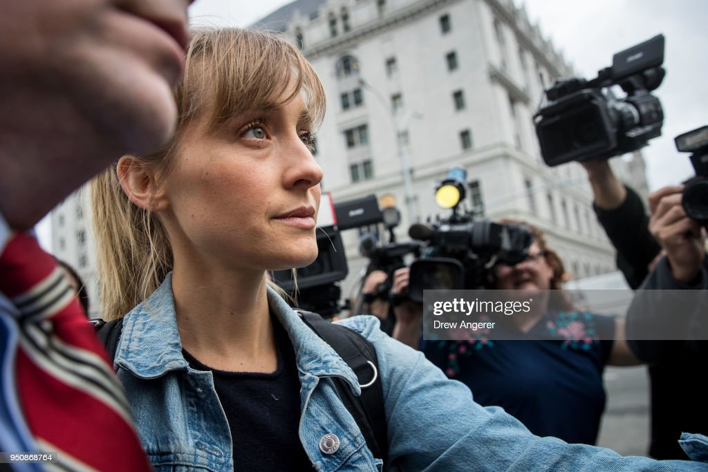 Actress Allison Mack Appears In Court Over Case Involving Alleged Sex Cult : Nachrichtenfoto