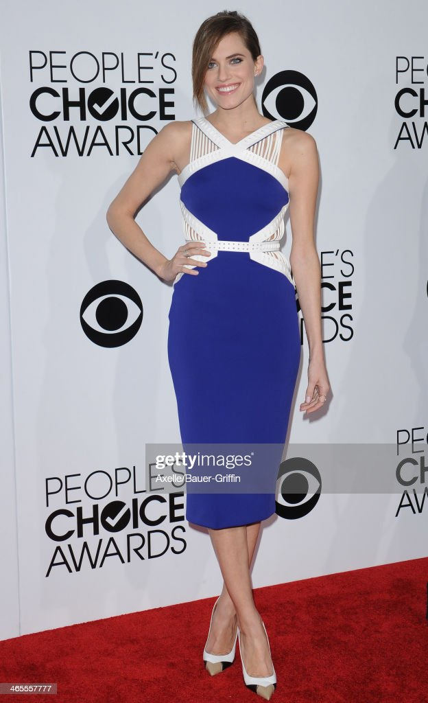 Actress Allison Williams arrives at The 40th Annual People's Choice Awards at Nokia Theatre L.A. Live on January 8, 2014 in Los Angeles, California.