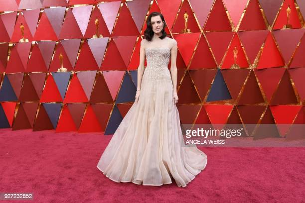 Actress Allison Williams arrives for the 90th Annual Academy Awards on March 4 in Hollywood, California. / AFP PHOTO / ANGELA WEISS