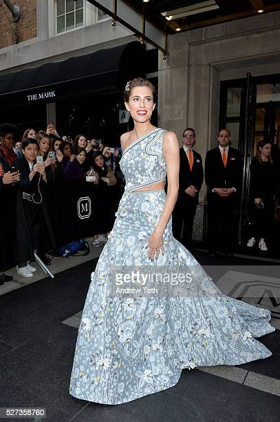 Actress Allison Williams leaves from The Mark Hotel for the 2016 'Manus x Machina Fashion in an Age of Technology' Met Gala on May 2 2016 in New York...