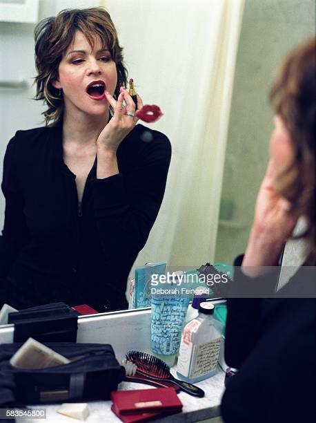Actress Ally Sheedy poses for a portrait in her apartment in December 2000 in New York New York