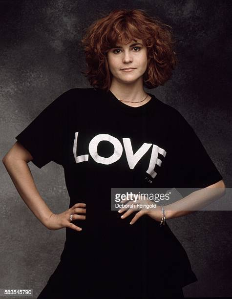 Actress Ally Sheedy poses for a portrait in September 1988 in Los Angeles California