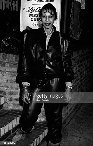 Actress Altovise Davis attends the grand opening of La Place Restaurant on March 11 1979 in Los Angeles California