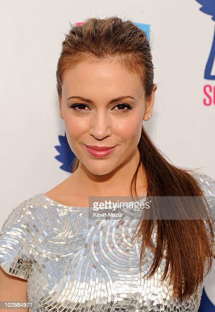 Actress Alyssa Milano arrives at the 2010 VH1 Do Something! Awards held at the Hollywood Palladium on July 19, 2010 in Hollywood, California.