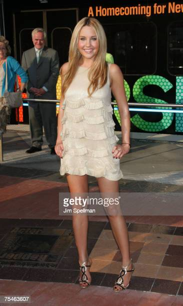 Actress Amanda Bynes arrives at Hairspray Premiere at NJPAC on July 17 2007 in Newark New Jersey