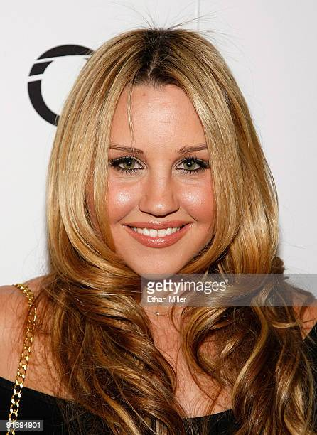 Actress Amanda Bynes arrives at the Tao Nightclub at the Venetian Resort Hotel Casino during the club's fouryear anniversary party October 3 2009 in...
