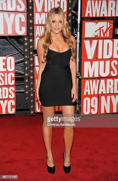 Actress Amanda Bynes attends the 2009 MTV Video Music Awards at Radio City Music Hall on September 13 2009 in New York City