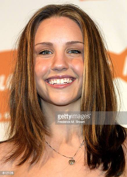 Actress Amanda Bynes attends the Nickelodeon's 15th Annual Kids'' Choice Awards April 20 2002 in Santa Monica CA Bynes was honored with the Favorite...