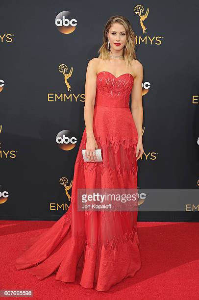 Actress Amanda Crew arrives at the 68th Annual Primetime Emmy Awards at Microsoft Theater on September 18, 2016 in Los Angeles, California.