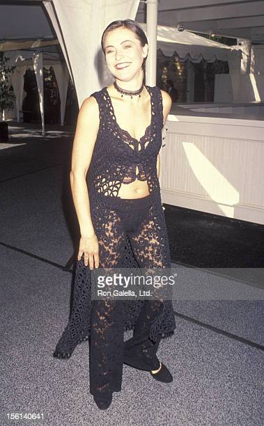 Actress Amanda Donohoe attends BAFTA Awards on March 21 1993 at Universal Studios in Universal City California