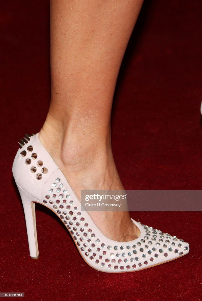 Actress Amanda Holden arrives at the UK premiere of Sex And The City 2 at Odeon Leicester Square on May 27, 2010 in London, England.