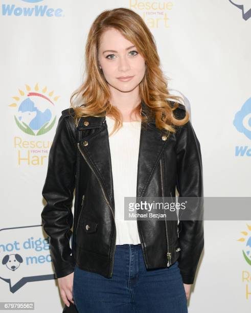Actress Amanda Leighton attends Celebrities to the Rescue Hollywood's Day of Community Service on May 6 2017 in Studio City California