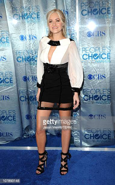 Actress Amanda Michalka arrives at the 2011 People's Choice Awards at Nokia Theatre LA Live on January 5 2011 in Los Angeles California