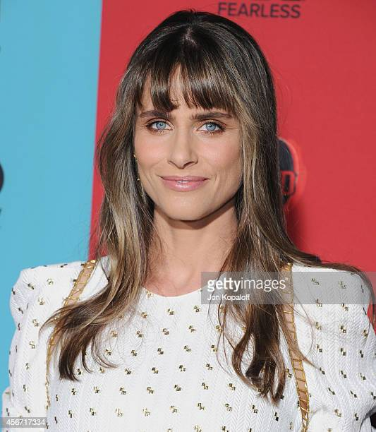 """Actress Amanda Peet arrives at the Los Angeles Premiere """"American Horror Story: Freak Show"""" at TCL Chinese Theatre IMAX on October 5, 2014 in..."""