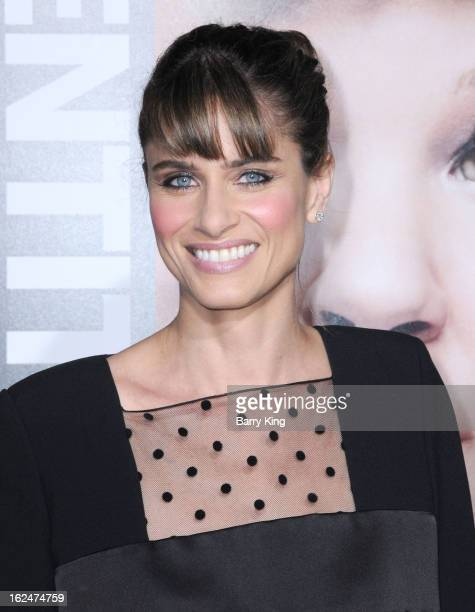 Actress Amanda Peet arrives at the Los Angeles premiere of 'Identity Thief' held at Mann Village Theatre on February 4, 2013 in Westwood, California.