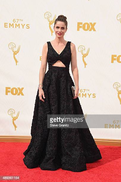 Actress Amanda Peet attends the 67th Annual Primetime Emmy Awards at Microsoft Theater on September 20, 2015 in Los Angeles, California.