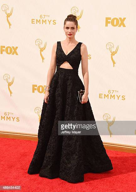 Actress Amanda Peet attends the 67th Annual Primetime Emmy Awards at Microsoft Theater on September 20 2015 in Los Angeles California