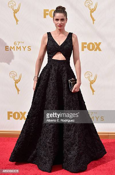 Actress Amanda Peet attends the 67th Emmy Awards at Microsoft Theater on September 20 2015 in Los Angeles California 25720_001