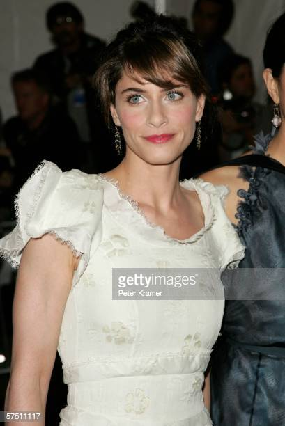 Actress Amanda Peet attends the Metropolitan Museum of Art Costume Institute Benefit Gala Anglomania at the Metropolitan Museum of Art May 1 2006 in...