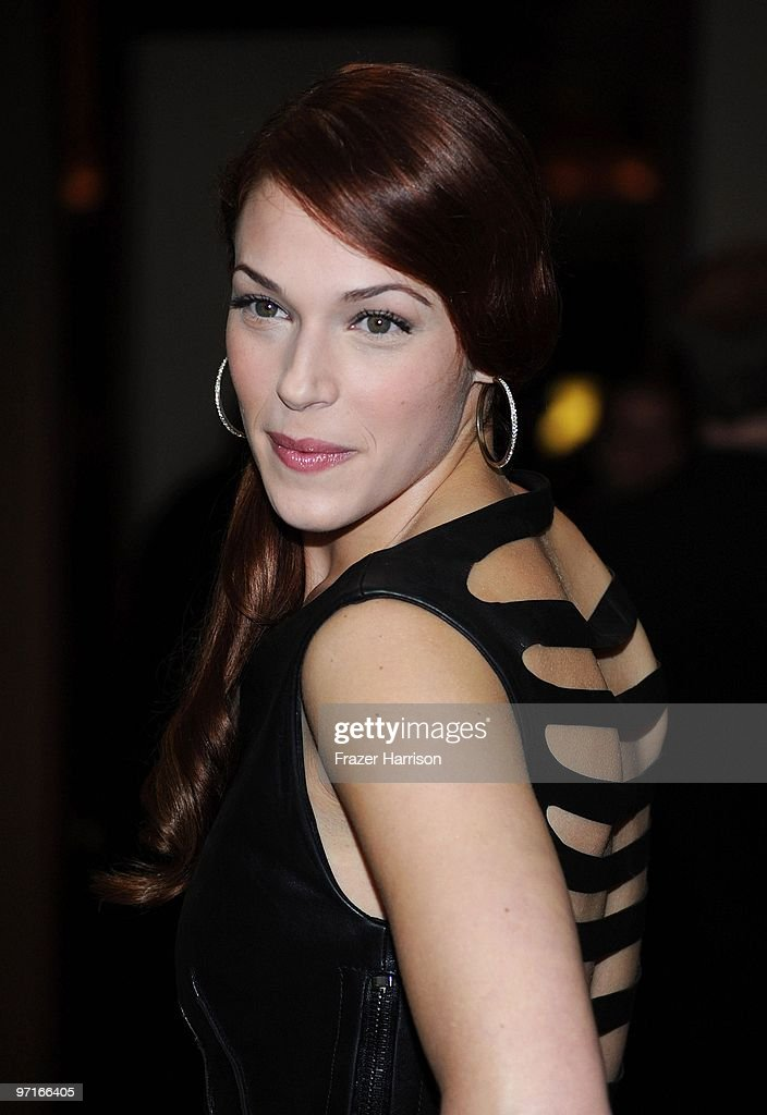 Actress Amanda Righetti arrives at the 24th Annual American Society of Cinematographers 24th Annual Outstanding Achievement Awards held at the Hyatt Regency Century Plaza Hotel on February 27, 2010 in Los Angeles, California.