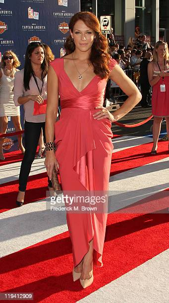Actress Amanda Righetti attends the 'Captain America The First Avenger' Los Angeles Premiere at the El Capitan Theater on July 19 2011 in Hollywood...