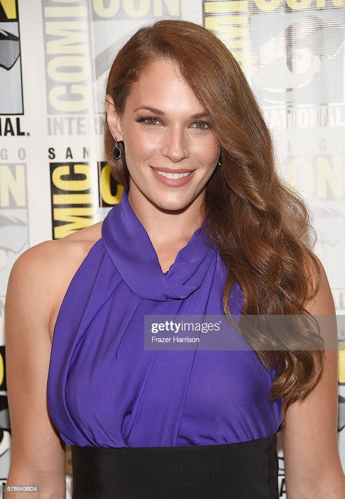 "Comic-Con International 2016 -  ""Colony"" Press Line"