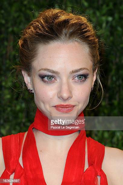 Actress Amanda Seyfried arrives at the 2013 Vanity Fair Oscar Party hosted by Graydon Carter at Sunset Tower on February 24 2013 in West Hollywood...