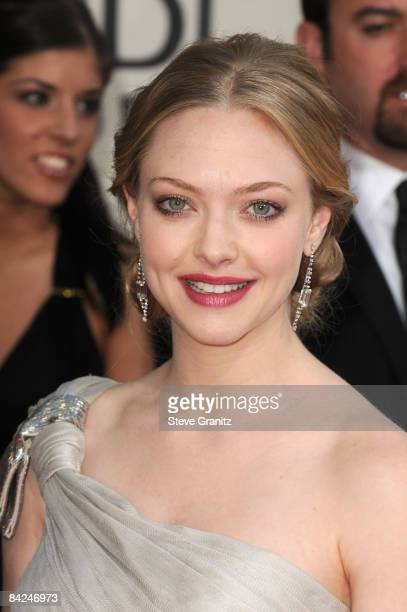 Actress Amanda Seyfried arrives at the 66th Annual Golden Globe Awards held at the Beverly Hilton Hotel on January 11 2009 in Beverly Hills California