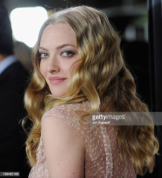 """Actress Amanda Seyfried arrives at the Los Angeles Premiere """"Gone"""" at ArcLight Hollywood on February 21, 2012 in Hollywood, California."""