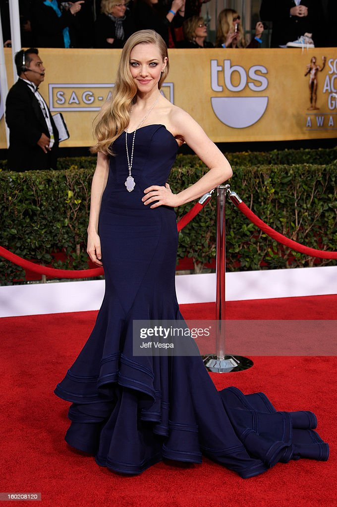Actress Amanda Seyfried arrives at the19th Annual Screen Actors Guild Awards held at The Shrine Auditorium on January 27, 2013 in Los Angeles, California.