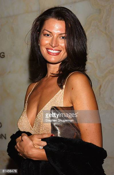 Actress Amanda Tosch attends gala dinner dance following the New York City Ballet Gala at the Dorothy Chandler Pavilion on October 8 2004 in Los...