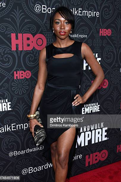 Actress Amanda Warren attends HBO's 'Boardwalk Empire' Season Five New York Premiere at Ziegfeld Theatre on September 3 2014 in New York City