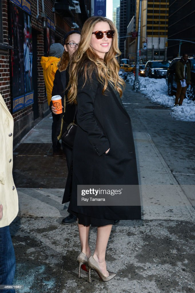 """Celebrities Visit """"Late Show With David Letterman"""" - February 17, 2014 : ニュース写真"""