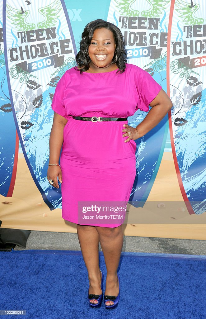 Actress Amber Riley arrives at the 2010 Teen Choice Awards at Gibson Amphitheatre on August 8, 2010 in Universal City, California.