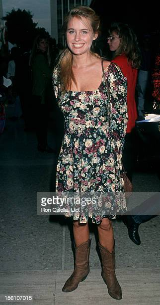 Actress Ami Dolenz attending the premiere of 'Home Alone 2Lost in New York' on November 15 1992 at the United Artists Theater in Century City...