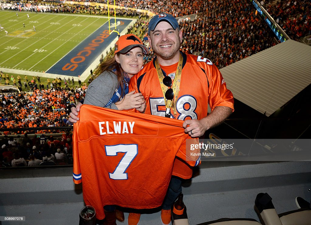 Actress Amy Adams (L) and her brother Rich Adams attend Super Bowl 50 at Levi's Stadium on February 7, 2016 in Santa Clara, California.