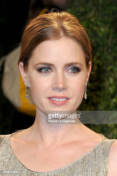 Actress Amy Adams arrives at the 2013 Vanity Fair Oscar Party hosted by Graydon Carter at Sunset Tower on February 24 2013 in West Hollywood...