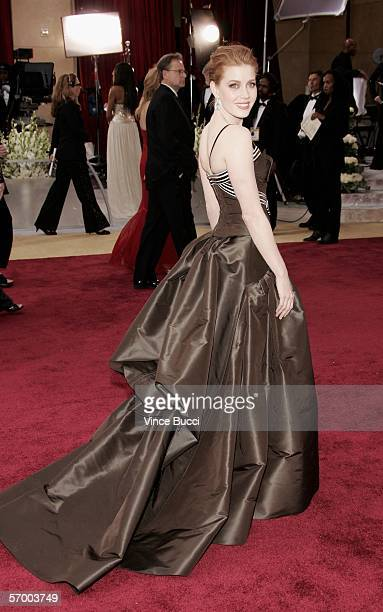 Actress Amy Adams arrives at the 78th Annual Academy Awards at the Kodak Theatre on March 5 2006 in Hollywood California