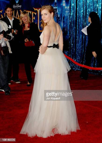 Actress Amy Adams arrives at the Los Angeles Premiere 'Enchanted' at the El Capitan Theater on November 16 2007 in Hollywood California